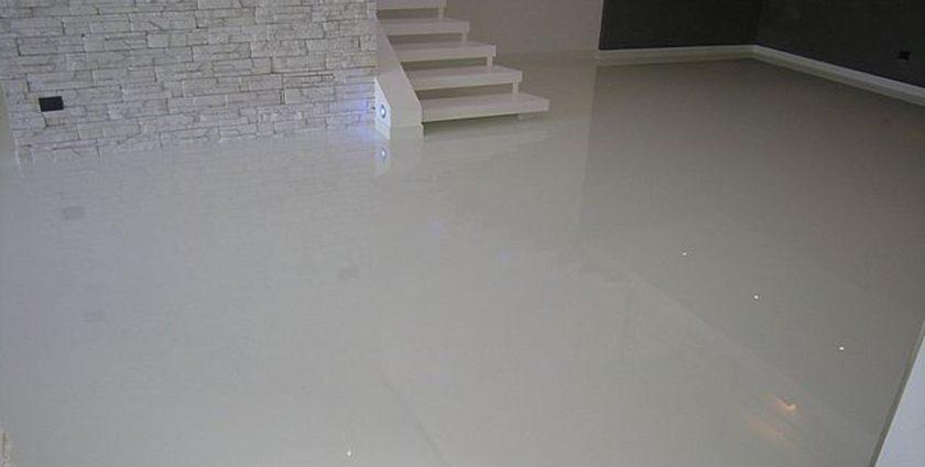 Giet en betonvloer gietvloer ligt als gegoten for Pavimento in resina pro e contro